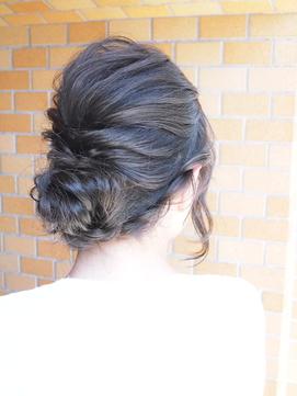 Ashグレーシニヨンアレンジヘア