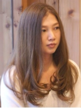 クセや広がりをカバーしながら、デザインまでこだわる。[One Drop]の縮毛矯正で、毛先までまとまる美髪へ♪