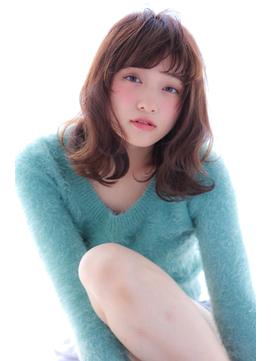 甘めバングのモテ髪☆ナチュセミディ