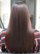 髪質改善でナチュラルストレートを叶えるなら【IRESU】へ。お手入れ楽々で内側からキレイな艶美髪を実現♪