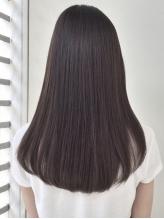 さらりとなびく髪の秘訣は【MARIS】のストレート。天使の輪が髪に宿り、毎日キレイなノンストレスヘアに☆