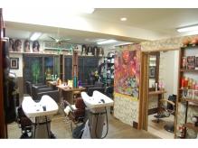 アジアンな雰囲気で個室も完備☆