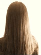 硬さをなくして柔らかなストレートヘアに♪ダメージを抑えてしなやかでまとまりやすい仕上がりに☆