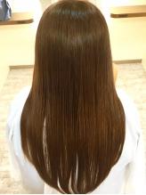 """その場で調合する新鮮な""""生コラーゲントリートメント""""で、髪のお悩みを解決し、芯から潤う美しい髪に☆"""