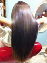 髪質・ダメージに合わせた薬剤で髪への負担を抑え、髪質を見極めた施術で憧れのうるツヤストレートへ☆