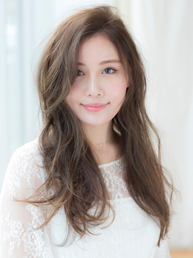 〈NOB伊勢佐木町店〉ふんわり外巻韓国風巻き髪かき上げバング