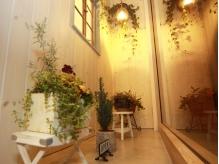 一階でも落ち着ける雰囲気の美容室♪