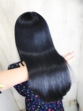 ジュエリーシステム×縮毛矯正で輝くような艶髪