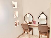 40代大人女性にぴったりな美容院の雰囲気やおすすめポイント プラスエム(+em)