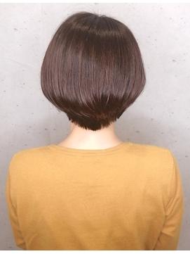 ◆襟足スッキリ・後頭部にボリュームのある ショートヘア♪