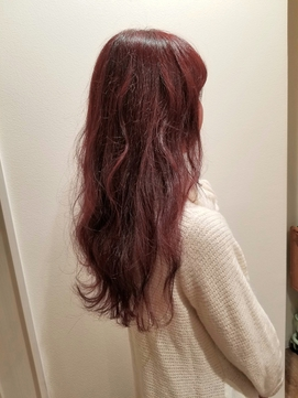 可愛い女子ウケ赤髪パープル暖色カラーなみなみウェーブ