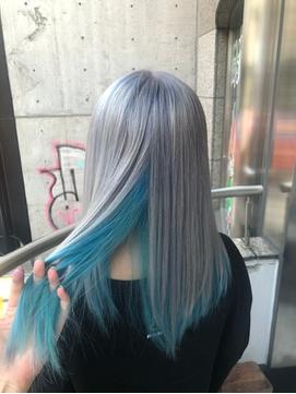 清涼感×透明感 シルバー×ライトブルーのインナーカラー