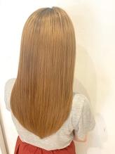 誰もが羨むストレートスタイル ゴールドベージュ 髪質改善.15