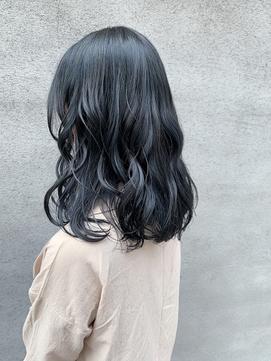 【suite】ブルーブラックカラー ゆるふわスタイル  ツヤ感ヘア
