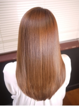 縮毛矯正・カラーのモチをUP!!人気は潤い成分をたっぷりチャージできる『リンケージトリートメント』☆