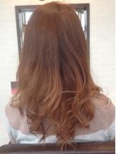 ICEA認証「Villa Lodolaオーガニックカラー」で美しい艶やかな髪に。
