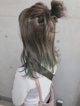keistyle*インナーカラー×グリーン×おだんごヘア