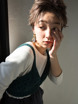 簡単スタイリング 大人可愛い束感ショート[veil]mio kuwamoto