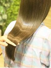 13工程のトリートメント縮毛矯正で栄養をいれながらくせを伸ばし、体感したことのない艶髪に!【本川越】