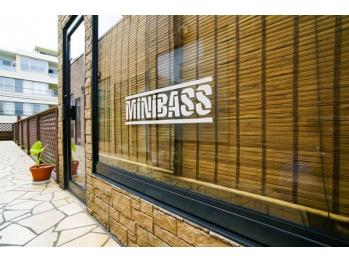 ミニバス(MiNiBASS)(東京都渋谷区)