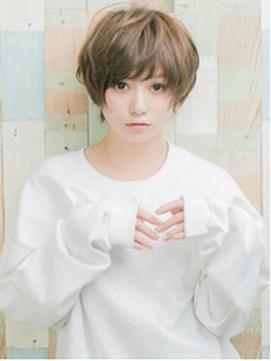 PACOの外国人風ハイトーンカラー☆カジュアルショート