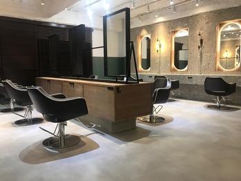 アーサス ヘアー サローネ 北千住店(Ursus hair salone by HEADLIGHT)(東京都足立区/美容室)
