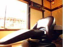 フルフラットのシャンプー台で贅沢な時間をお過ごし下さい。