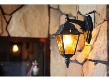 入店してすぐのシンボルランプ♪暖かい光で御もてなし致します♪