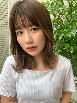 〈藤間〉韓国風鎖骨ミディ/フォギーベージュカラー