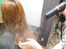 ナノミストスチームで髪に水分をたっぷり補給!