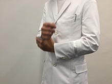 ユニフォームの白衣は、清潔感を大事にしてます