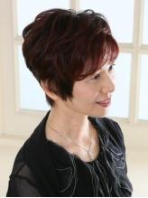 多彩な色味と質感表現力で「大人のヘアカラー」の世界を広げます。お肌や髪をいたわりながら染め上げます!