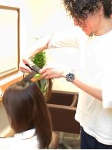 全メニューにナノスチーム付き☆髪への浸透も早いのでダメージレス!潤いのある艶やかで輝くストレートヘア