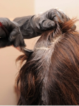 """セット施術がお得☆髪へのダメージを最小限に抑え、年齢と共に変化する髪に""""ハリ・コシ""""を与えます♪"""