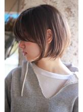 【+~ing 】耳かけショートボブのサイドスタイル【柳沼くるみ】 .2