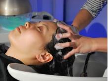 女性用、男性用のスパを使い分け♪マイクロスコープで頭皮の状態を確認して自分に合ったスパができる☆