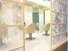 ラグジュアリーサロン グリッター(Luxury salon glitter)