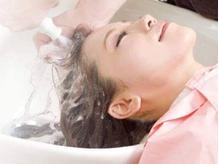 炭酸泉を使用したスパで癒しのひととき。