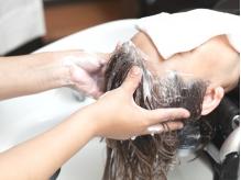 日頃の疲れに丁寧な頭皮マッサージで癒しのサロンTimeを…♪内部から健康的な美髪へ導きます☆