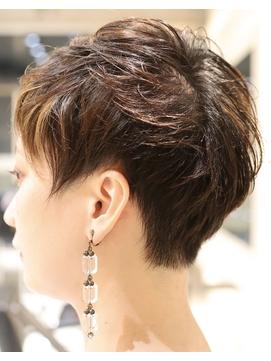 【RISK 高橋勇太】黒髪でシルエットが完璧な束感ベリーショート