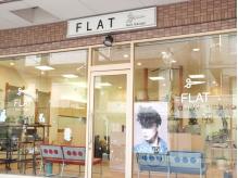 お店の前の看板とハサミのマークを目印にお越しください♪