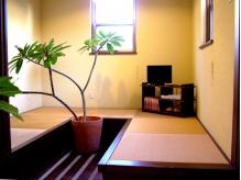 広々としたフラットな畳の待合室☆