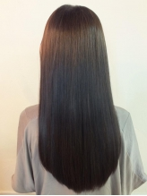 この季節に目立つ「枝毛,切れ毛,ぱさぱさ」した髪に!縮毛してるとは感じさせないナチュラルな仕上がり