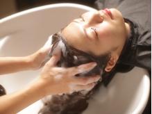 至福のヘッドマッサージで頭皮からスッキリ癒されます♪