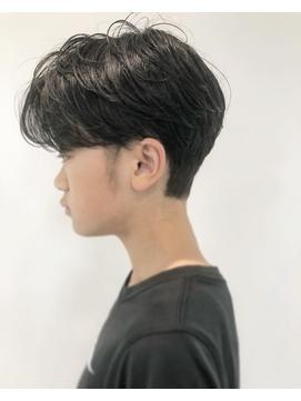 黒髪ハンサムショート