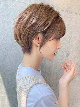 横顔美人☆大人ショートボブ/艶ベージュ