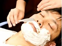 <カット+頭皮クレンジング+お顔剃り+眉カット¥4320>デキル男は身だしなみが重要♪【渋谷】<理容室>