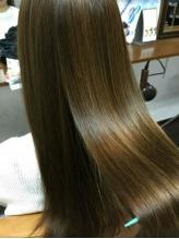 ポイント縮毛矯正など豊富なストレートMENU★プチプラ&低ダメージで、ふんわり柔らかな手触りのツヤ髪へ♪