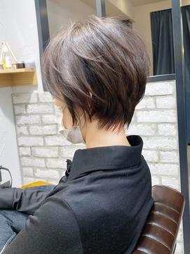 大人ショート・絶壁カバー・アッシュグレージュ【BISA】