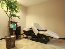 個室感覚の空間、ヘッドスパ専用の夢シャンプー台でリラックス